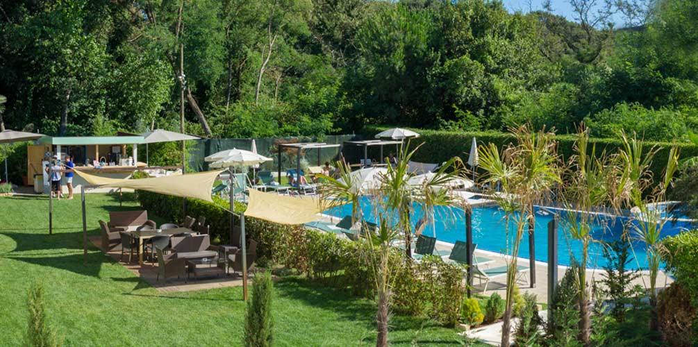 Swimming Pool Hotel King 3-stars